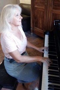 Béatrice Danezan professeur de piano dans le Tarn